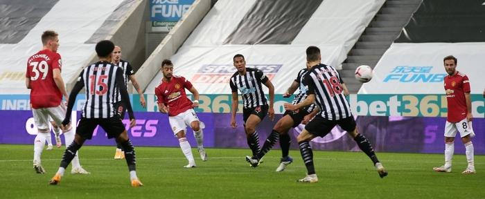 Phản lưới nhà và hỏng phạt đền, Man Utd vẫn thắng ngược nhờ 3 bàn trong 10 phút cuối - ảnh 3