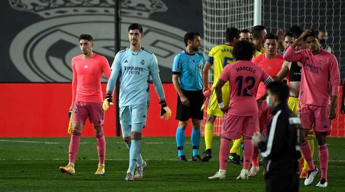 Real Madrid thua sốc tân binh Cadiz ngay trên sân nhà - ảnh 5
