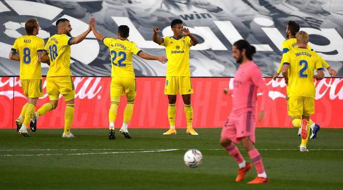 Real Madrid thua sốc tân binh Cadiz ngay trên sân nhà - ảnh 3