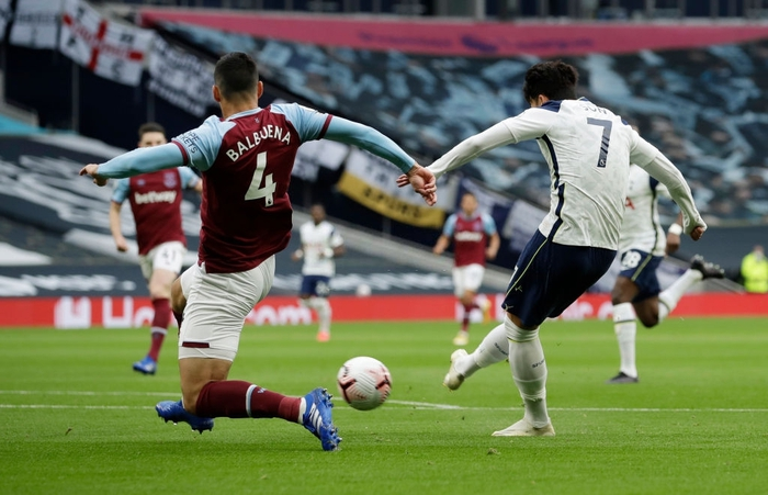 Kịch bản khó tin: Dẫn 3-0 chỉ sau 15 phút đầu hiệp 1, đội bóng của Son Heung-min vẫn bị cầm hòa vì siêu phẩm ở những giây cuối cùng - Ảnh 2.
