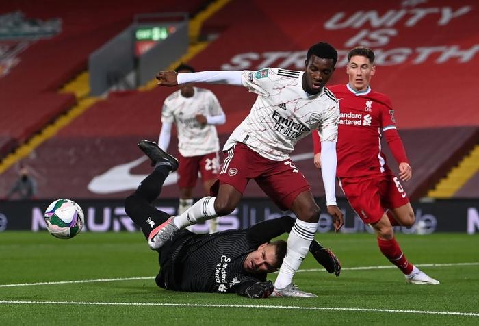 Thủ môn hóa người nhện, Arsenal hạ gục Liverpool ở loạt sút luân lưu cân não - Ảnh 3.