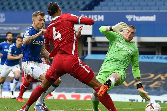 Mất Van Dijk ý nghĩa ra sao với Liverpool? - Ảnh 6.