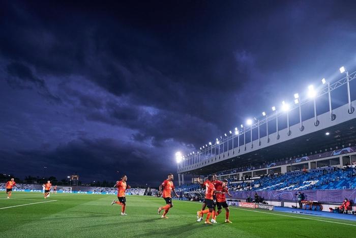 Đối thủ vắng tới 10 trụ cột vì nhiễm Covid-19, Real Madrid vẫn thua sốc 2-3 ở trận ra quân Champions League - Ảnh 11.