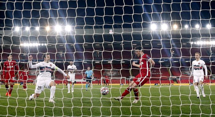 Liverpool trả giá đắt cho chiến thắng hú vía ở Champions League - ảnh 5