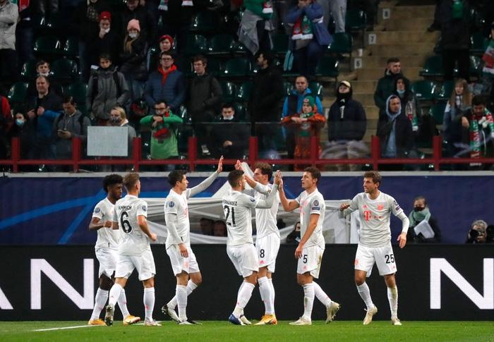 Cú volley đẳng cấp giúp Bayern Munich nối dài kỷ lục thắng ở Champions League - Ảnh 9.