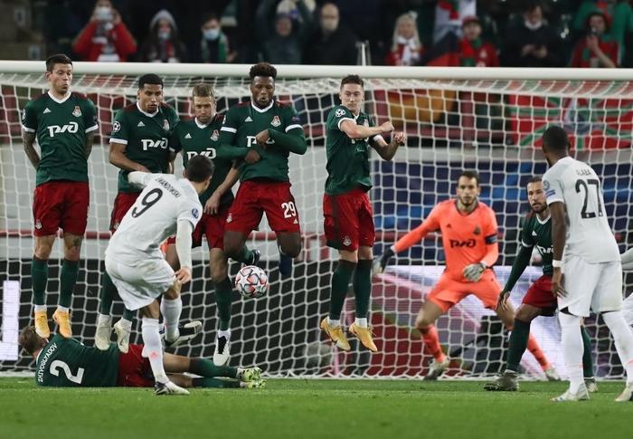 Cú volley đẳng cấp giúp Bayern Munich nối dài kỷ lục thắng ở Champions League - Ảnh 7.