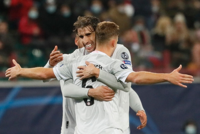 Cú volley đẳng cấp giúp Bayern Munich nối dài kỷ lục thắng ở Champions League - Ảnh 1.