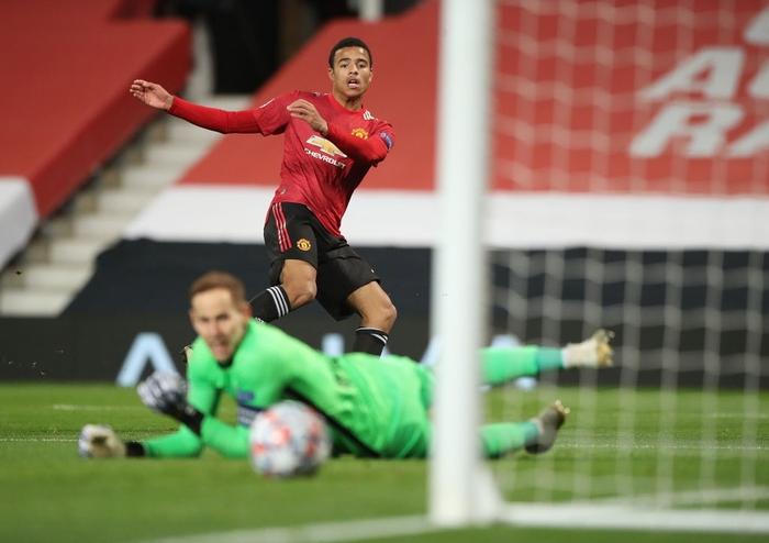 Man Utd 5-0 RB Leipzig: Chiến thắng tưng bừng, Quỷ đỏ độc chiếm ngôi đầu - Ảnh 2.