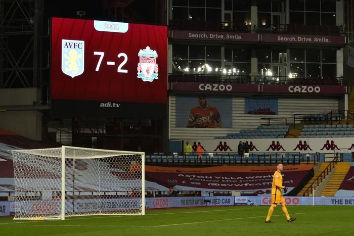 Cú sốc kinh hoàng: ĐKVĐ Liverpool thảm bại kỷ lục 2-7 trước đội bóng suýt xuống hạng mùa trước - Ảnh 12.