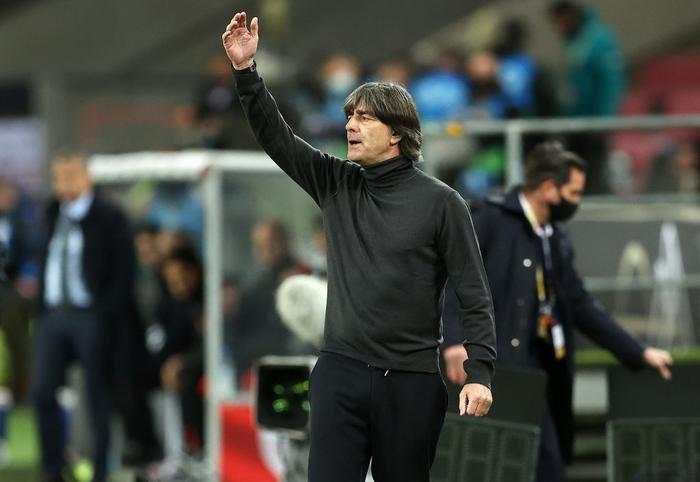 Tuyển Đức bị cầm hòa 3-3 kịch tính vì bàn thua phút 90+4, hai ông lớn Pháp và Italy thi nhau nghiền nát đội bạn với những tỷ số khủng khiếp - Ảnh 1.