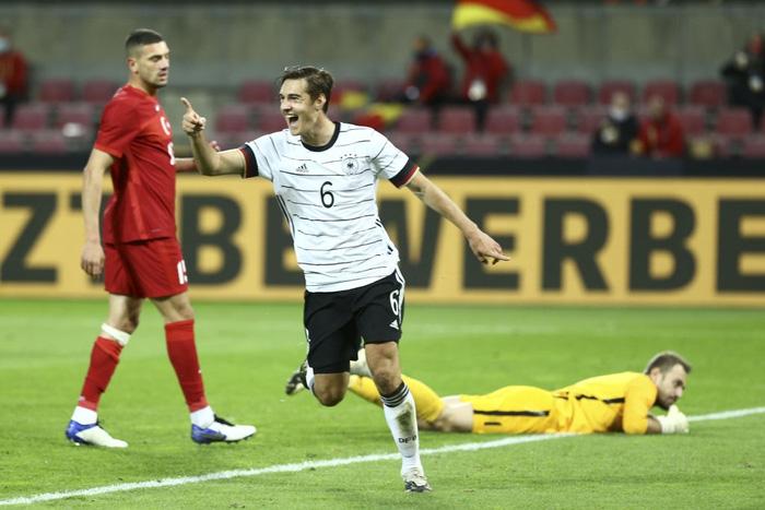 Tuyển Đức bị cầm hòa 3-3 kịch tính vì bàn thua phút 90+4, hai ông lớn Pháp và Italy thi nhau nghiền nát đội bạn với những tỷ số khủng khiếp - Ảnh 3.