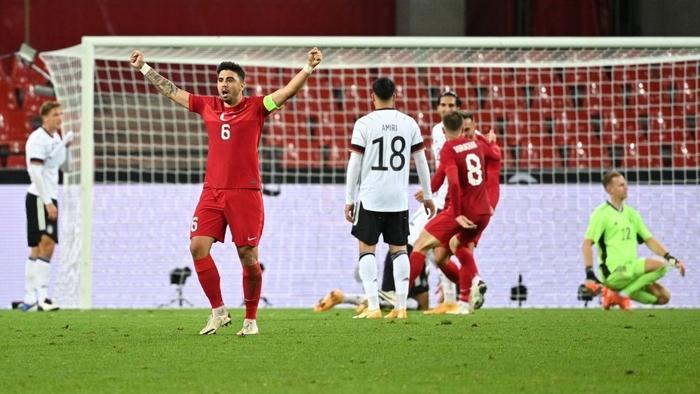 Tuyển Đức bị cầm hòa 3-3 kịch tính vì bàn thua phút 90+4, hai ông lớn Pháp và Italy thi nhau nghiền nát đội bạn với những tỷ số khủng khiếp - Ảnh 4.