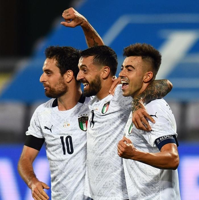 Tuyển Đức bị cầm hòa 3-3 kịch tính vì bàn thua phút 90+4, hai ông lớn Pháp và Italy thi nhau nghiền nát đội bạn với những tỷ số khủng khiếp - Ảnh 8.