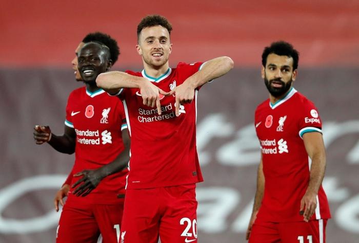 Kép phụ tỏa sáng, Liverpool ngược dòng thắng kịch tính để leo lên ngôi đầu Ngoại hạng Anh - Ảnh 11.
