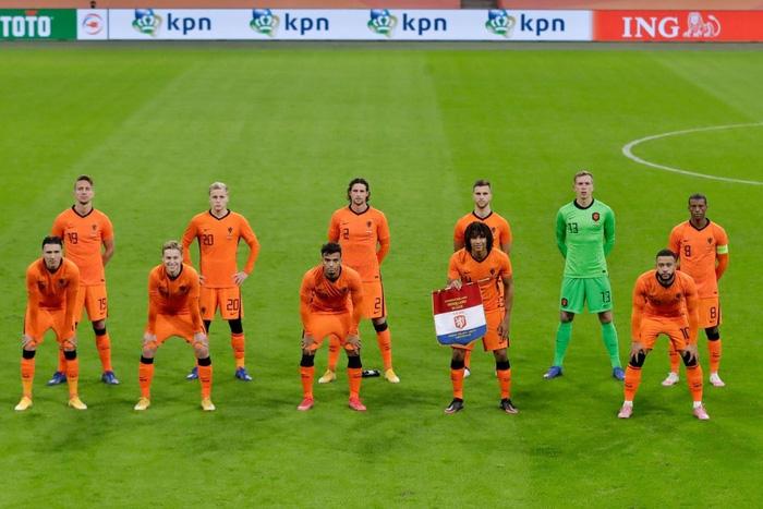 """Tân binh bị """"lãng quên"""" ở Man Utd: Donny van de Beek tỏa sáng, giải cứu ĐT Hà Lan trước Tây Ban Nha  - Ảnh 1."""