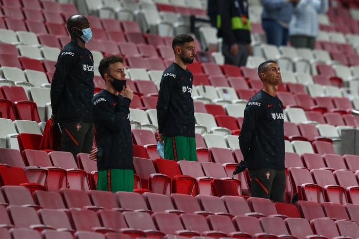 Ronaldo nổ súng giúp Bồ Đào Nha thắng 7-0, Pháp thua sốc 0-2 trước đối thủ dưới cơ - Ảnh 1.