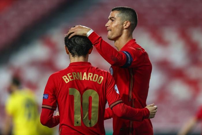 Ronaldo nổ súng giúp Bồ Đào Nha thắng 7-0, Pháp thua sốc 0-2 trước đối thủ dưới cơ - Ảnh 4.