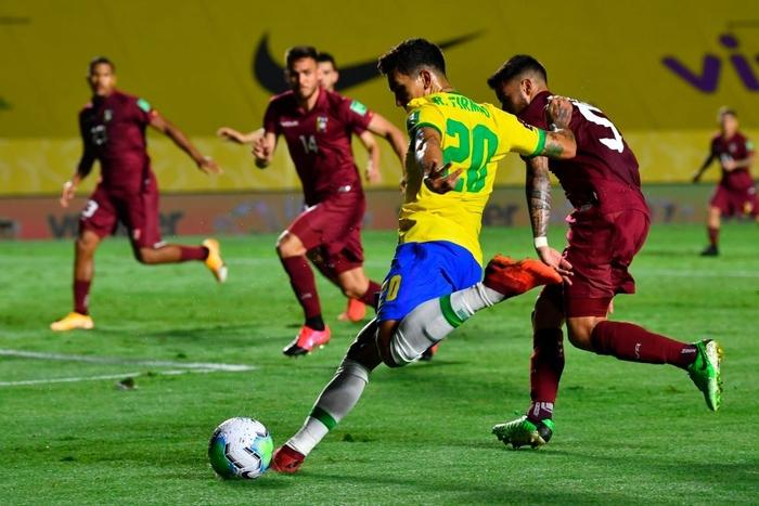 Ngôi sao đang xịt ở Ngoại hạng Anh ghi bàn, Brazil chật vật giữ thành tích hoàn hảo ở vòng loại World Cup 2020 - Ảnh 7.