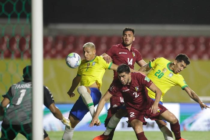 Ngôi sao đang xịt ở Ngoại hạng Anh ghi bàn, Brazil chật vật giữ thành tích hoàn hảo ở vòng loại World Cup 2020 - Ảnh 2.