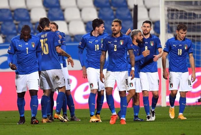 Dàn trai đẹp Italy vượt thử thách khó, nắm trong tay cơ hội lớn vào bán kết Nations League - Ảnh 1.