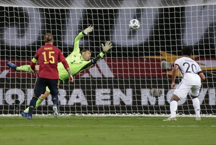 Sốc: Tuyển Đức thảm bại 0-6 trước Tây Ban Nha, trận thua đậm nhất trong lịch sử - Ảnh 6.