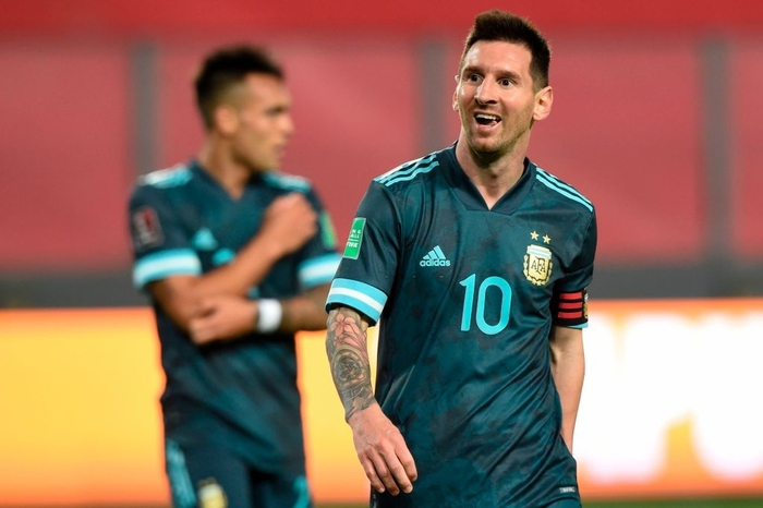 Peru 0-2 Argentina: Messi gây bất ngờ với chỉ số phòng ngự ấn tượng sau khi bị chê lười nhác - Ảnh 6.