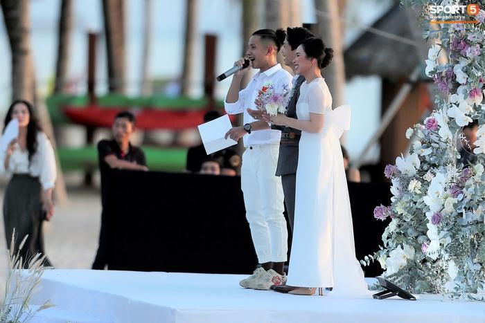 Hồng Duy xúc động vì được làm MC trong đám cưới Công Phượng: Anh đã vượt qua bao thăng trầm và anh xứng đáng - Ảnh 5.