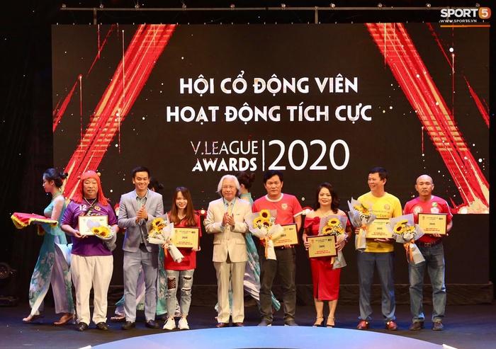 Quang Hải nhận giải bàn thắng đẹp nhất, Công Phượng được vinh danh nhưng vắng mặt tại V.League Awards 2020 - Ảnh 5.