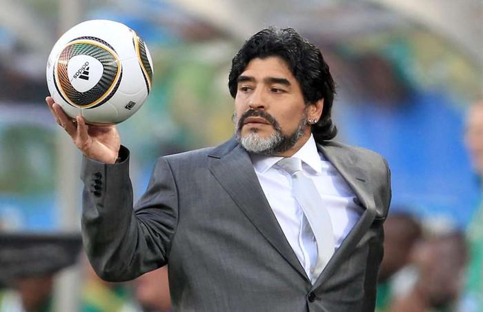 Sự nghiệp thăng trầm của Diego Maradona qua những bức hình đáng nhớ: Tạm biệt một thiên tài với đôi chân đầy những ma thuật - Ảnh 13.