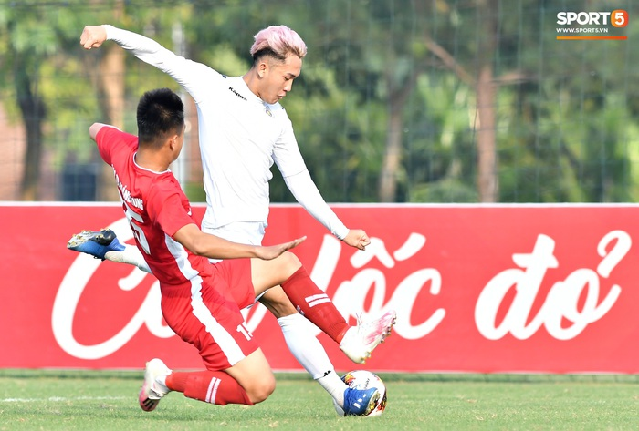 Tân binh của ĐTQG nhạt nhòa trong ngày HLV Park Hang-seo dự khán giải U21 Quốc gia - Ảnh 8.