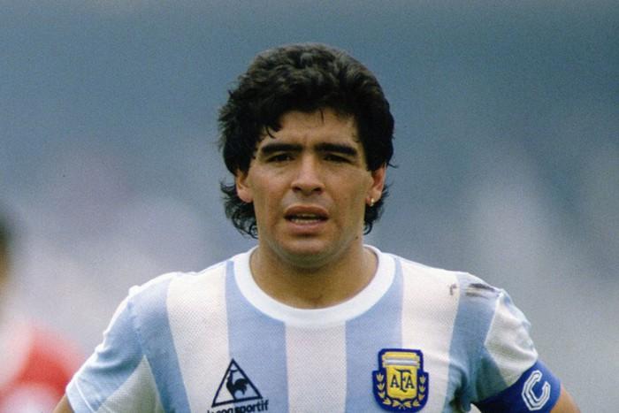 Sự nghiệp thăng trầm của Diego Maradona qua những bức hình đáng nhớ: Tạm biệt một thiên tài với đôi chân đầy những ma thuật - Ảnh 12.