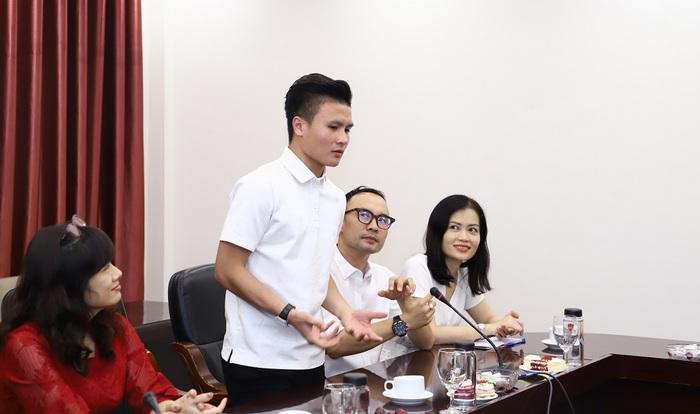 Quang Hải và Quách Thị Lan trở thành sinh viên trường đại học kinh tế hàng đầu Việt Nam - Ảnh 3.