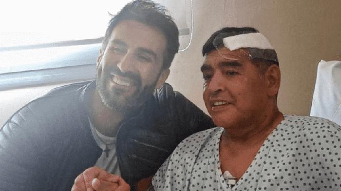 Nghi vấn cái chết của Maradona bắt nguồn từ cuộc gọi cấp cứu khó hiểu của bác sĩ riêng  - Ảnh 1.