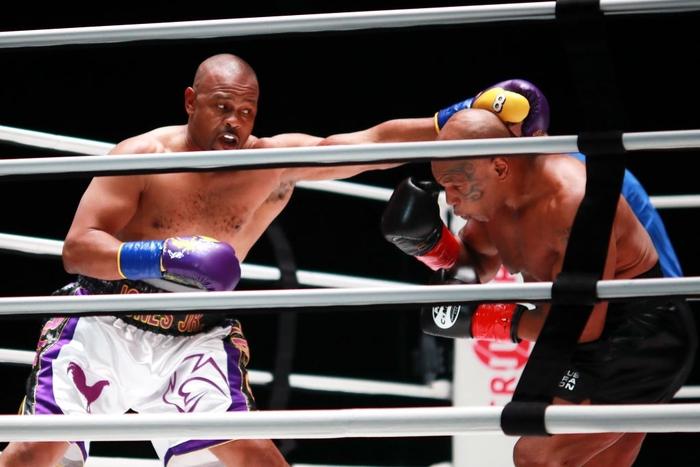 Lộ bằng chứng cho thấy sự lấn lướt toàn diện của Mike Tyson trước Roy Jones - Ảnh 2.