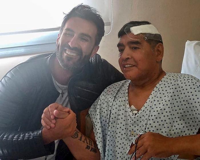 """Bác sĩ riêng phản pháo cáo buộc chịu trách nhiệm cái chết của Maradona: """"Diego đơn giản đã đầu hàng bệnh tật"""" - Ảnh 2."""