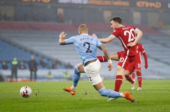 Ngôi sao đáng tin nhất sút hỏng phạt đền, Man City bị Liverpool cầm hòa trên sân nhà - Ảnh 7.