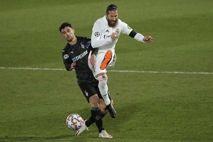 Từ chối nối gót MU, Real Madrid vào vòng 1/8 Champions League - Ảnh 7.