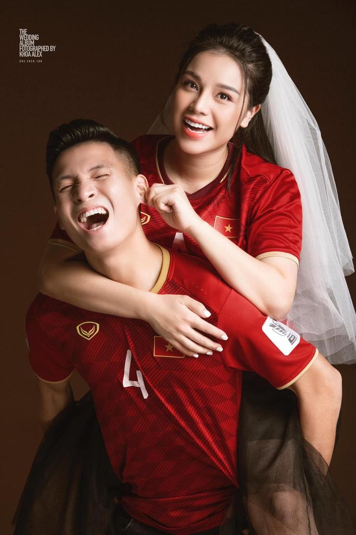 Tiến Dũng khoe ảnh cưới siêu xinh cùng Khánh Linh, chụp theo concept bóng đá - Ảnh 2.