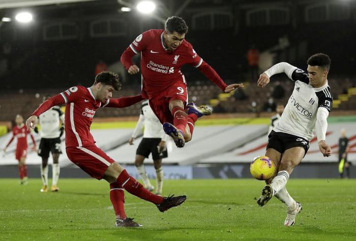 Liverpool mất điểm trước CLB lo trụ hạng, lỡ cơ hội vươn lên ngôi đầu Ngoại hạng Anh - Ảnh 8.