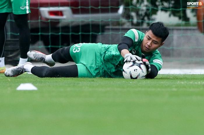 Tại sao HLV thủ môn Hàn Quốc chưa làm việc ở tuyển Việt Nam? - Ảnh 4.