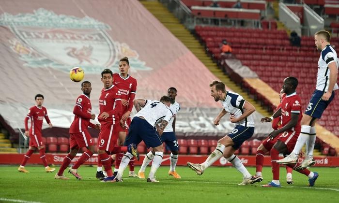 Bàn thắng phút cuối giúp Liverpool hạ gục Tottenham, độc chiếm ngôi đầu Ngoại hạng Anh - Ảnh 7.