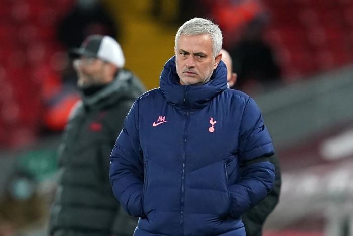 Bàn thắng phút cuối giúp Liverpool hạ gục Tottenham, độc chiếm ngôi đầu Ngoại hạng Anh - Ảnh 10.