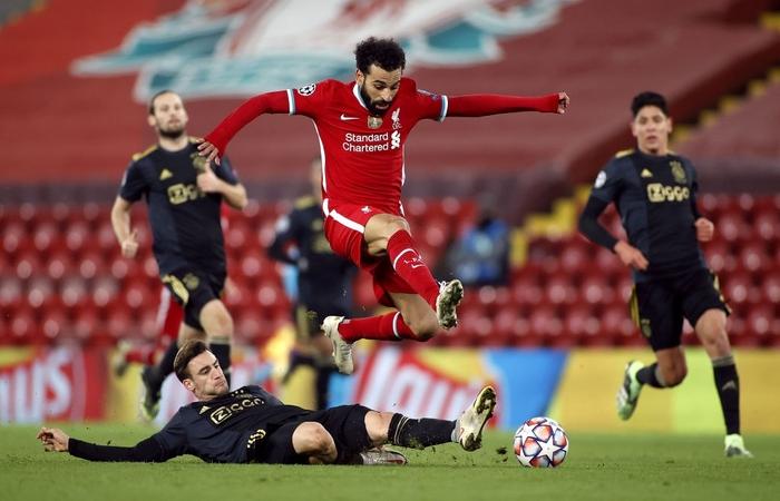 Sai lầm ngớ ngẩn của thủ môn giúp Liverpool giành vé vào knock-out Champions League - ảnh 9