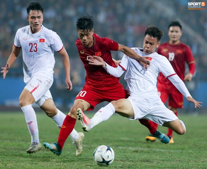 Tuyển thủ Việt Nam bỏ lỡ hai cơ hội ngon ăn trước U22 trong 20 giây - Ảnh 8.
