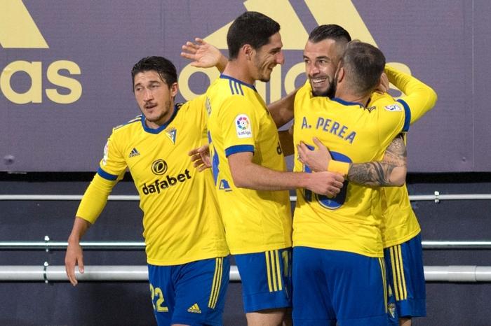 Messi và đồng đội tịt ngòi, Barcelona thua đau đội bóng mới lên hạng - Ảnh 6.