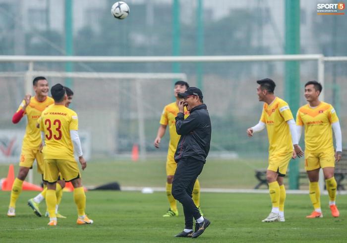 HLV Park Hang-seo bị Tuấn Anh trêu, không cho tham gia trò chơi ở tuyển Việt Nam - Ảnh 4.