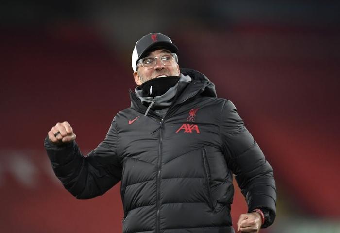 Liverpool 4-0 Wolves: The Kop mở tiệc cùng 2.000 fan ở Anfield - Ảnh 9.