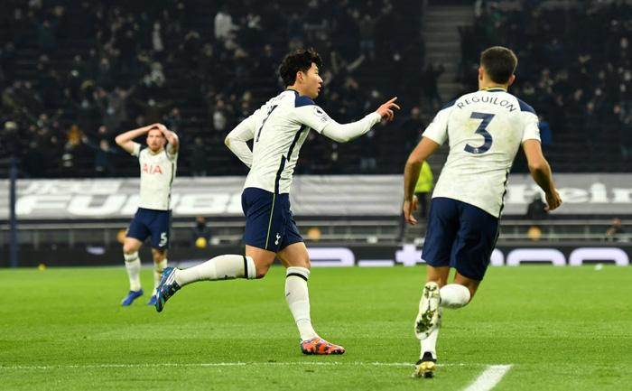 Son Heung-min vẽ siêu phẩm, Tottenham hạ gục Arsenal để bay cao trên đỉnh bảng Ngoại hạng Anh - Ảnh 4.