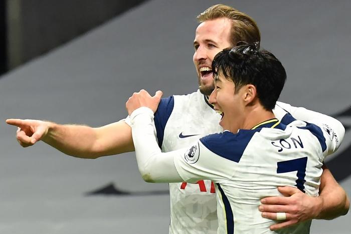 Son Heung-min vẽ siêu phẩm, Tottenham hạ gục Arsenal để bay cao trên đỉnh bảng Ngoại hạng Anh - Ảnh 1.
