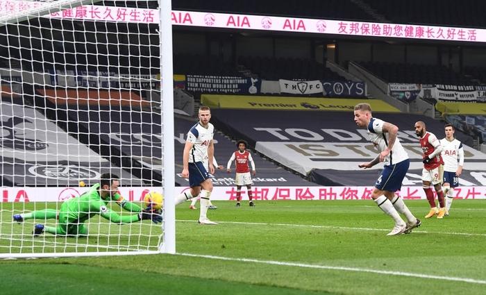 Son Heung-min vẽ siêu phẩm, Tottenham hạ gục Arsenal để bay cao trên đỉnh bảng Ngoại hạng Anh - Ảnh 8.